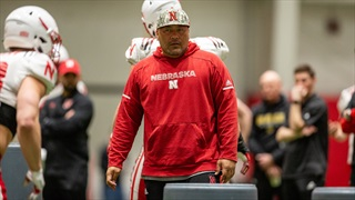 Oregon 4-Star DE Staying in Frequent Contact with Husker Coaches