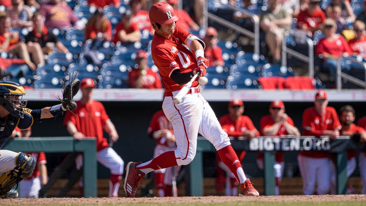 Huskers Go 1-2 at Baylor to Open the Will Bolt Era